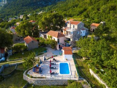 Ferienhaus Tonci - comfortable & surrounded by nature: H(8+2) Tucepi - Riviera Makarska  - Kroatien